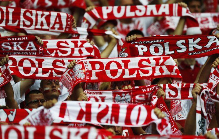 Polnische Fans beim Eröffnungsspiel: Fußball macht glücklich