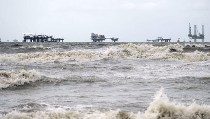 "Sturm ""Alex"": Turbulenzen bei der Ölbekämpfung"