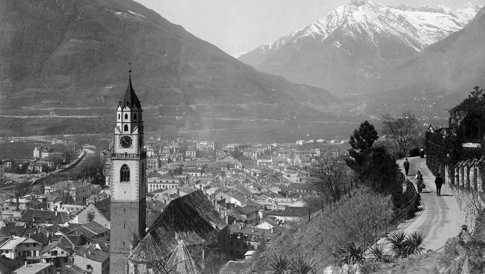"""Aufnahme von Meran (undatiert): Die Gemeinde in Südtirol war Drehpunkt bei der Flucht von NS-Verbrechern über die """"Rattenlinien"""""""