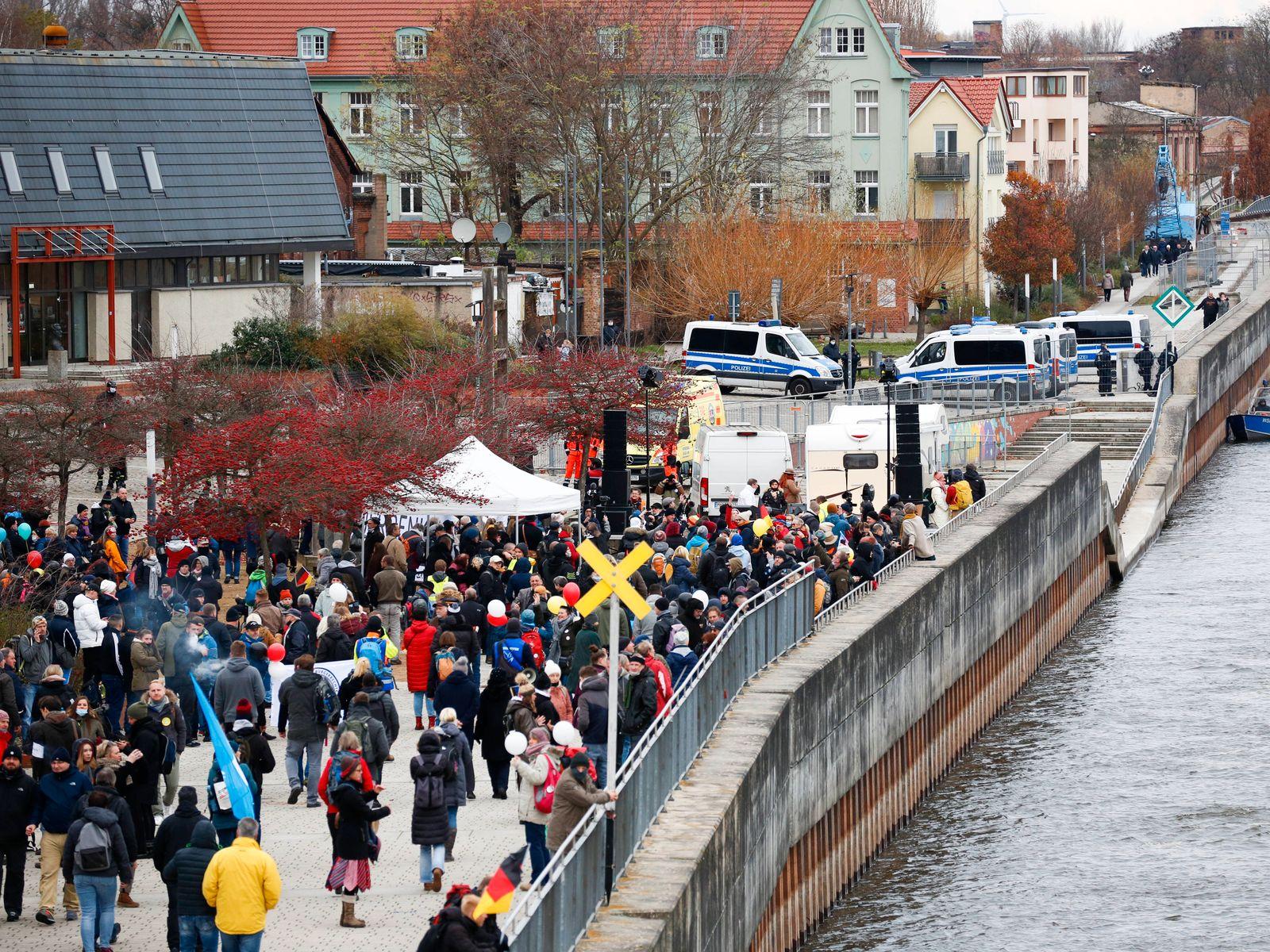 The Querdenken Initiative Querdenken 203 - Duisburg organsied a german-polish Anti-Covid-19 Protest on the 28th of Nove
