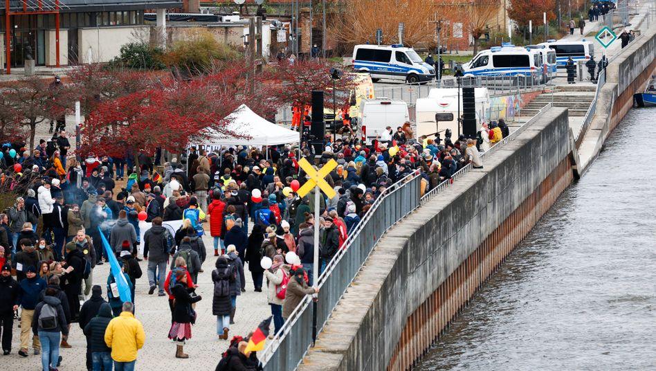 Länderübergreifender Protest gegen die Corona-Politik in Frankfurt an der Oder