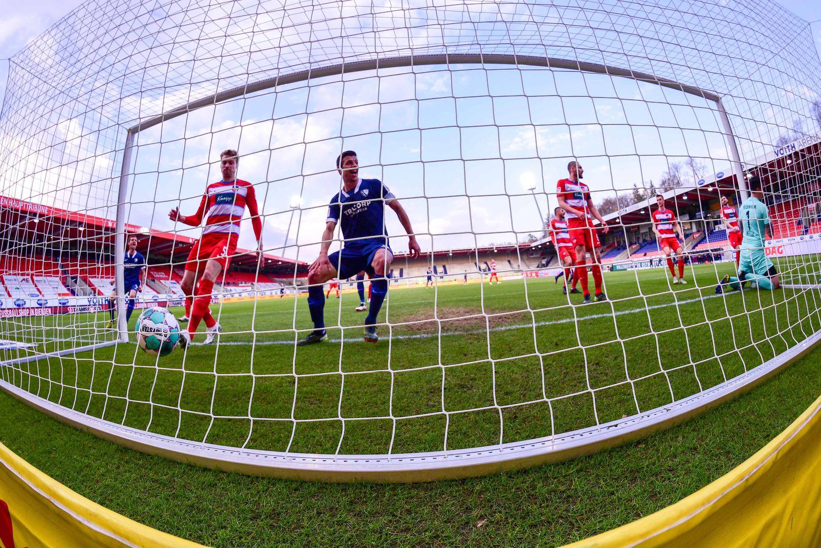 Fußball 2. Bundesliga 30. Spieltag 1. FC Heidenheim - VfL Bochum am 21.04.2021 in der Voith-Arena in Heidenheim Tor zum