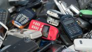 Deutsche horten fast 200 Millionen alte Mobilfunkgeräte