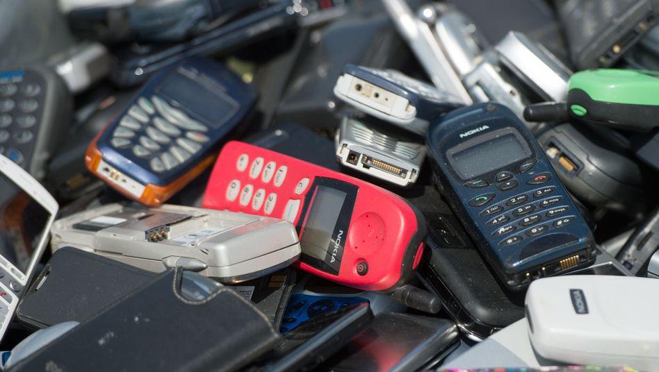 Alte Mobiltelefone: Nicht bloß Müll, sondern wertvoller Elektroschrott