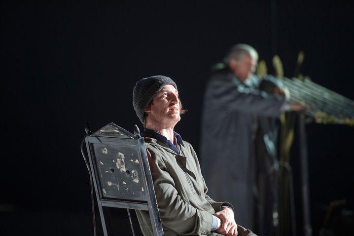 """Schauspieler Nell in """"Die Unschuldigen"""": der Dichter als Zauberkünstler"""