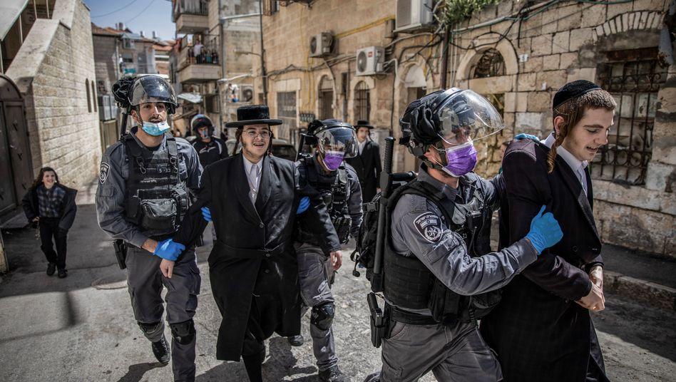Ein Polizeieinsatz in Mea Shearim, dem religiösen Viertel von Jerusalem