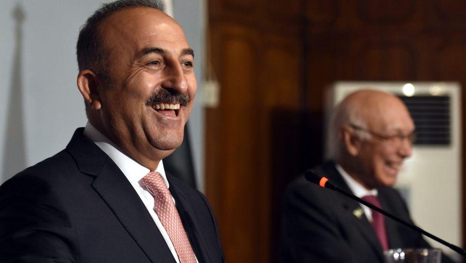 Mevlüt Cavusoglu, Außenminister