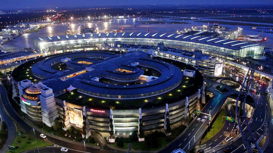 Terminal des Flughafens Düsseldorf (Archivbild)