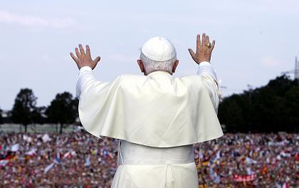 Papst Benedikt auf dem Rhein: Gruß vom Schiff aus an Zehntausende Pilger