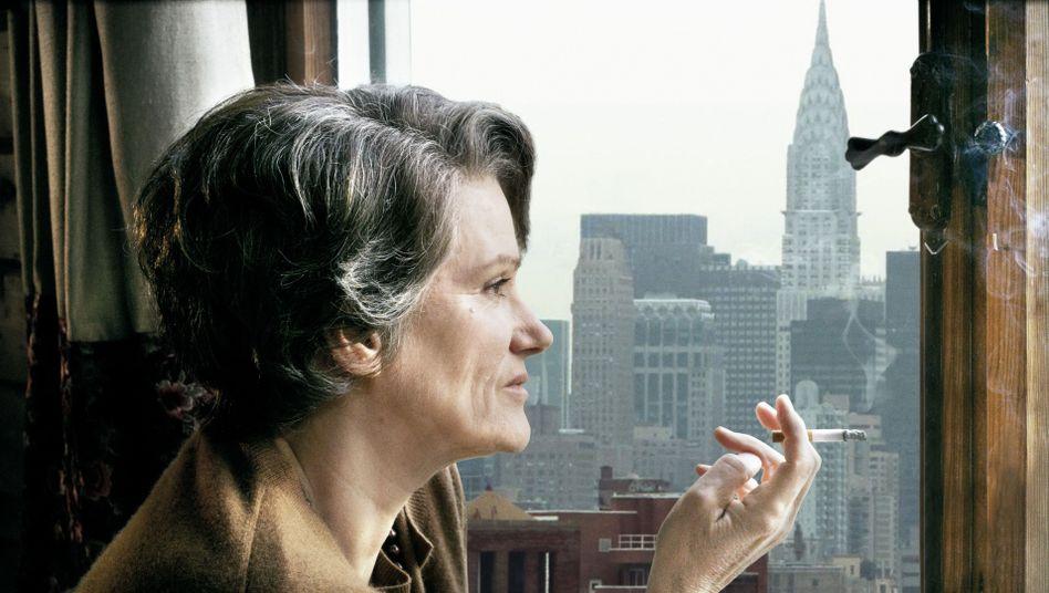"""Kinoporträt """"Hannah Arendt"""": Sie liegt, sie qualmt, sie denkt"""