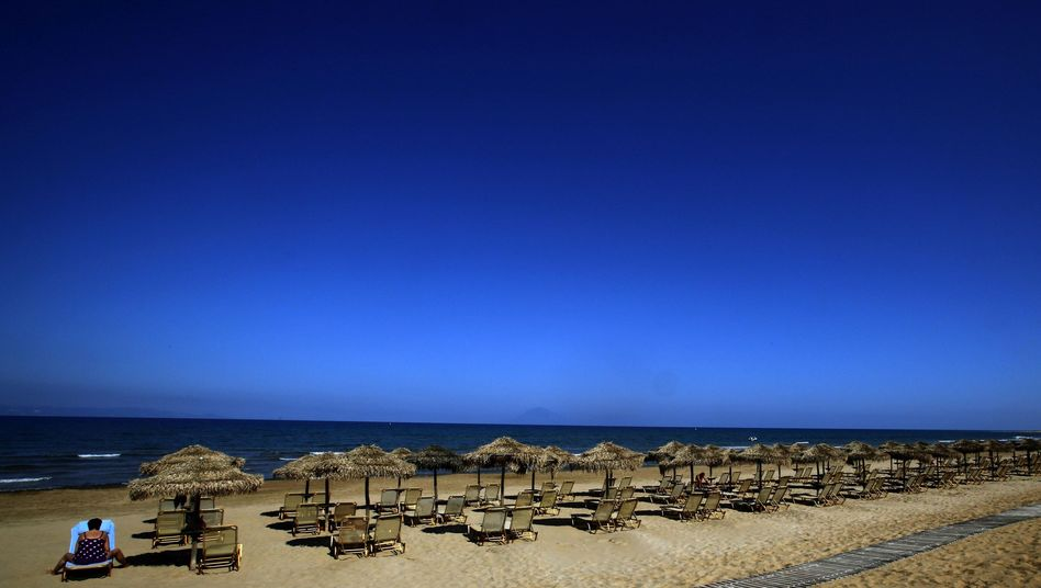 Greece's tourism industry has been suffering, but record numbers are expected in 2013.