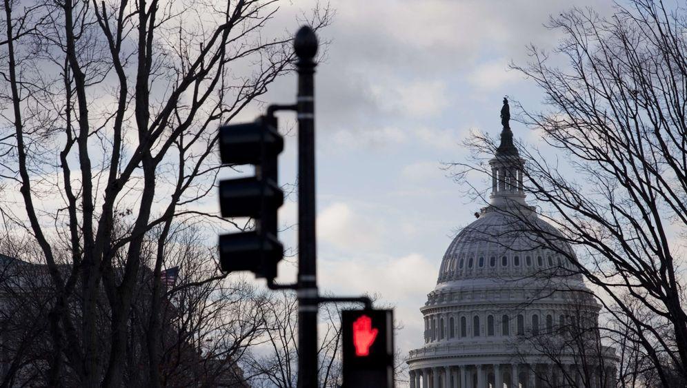 Photo Gallery: Showdown in Washington