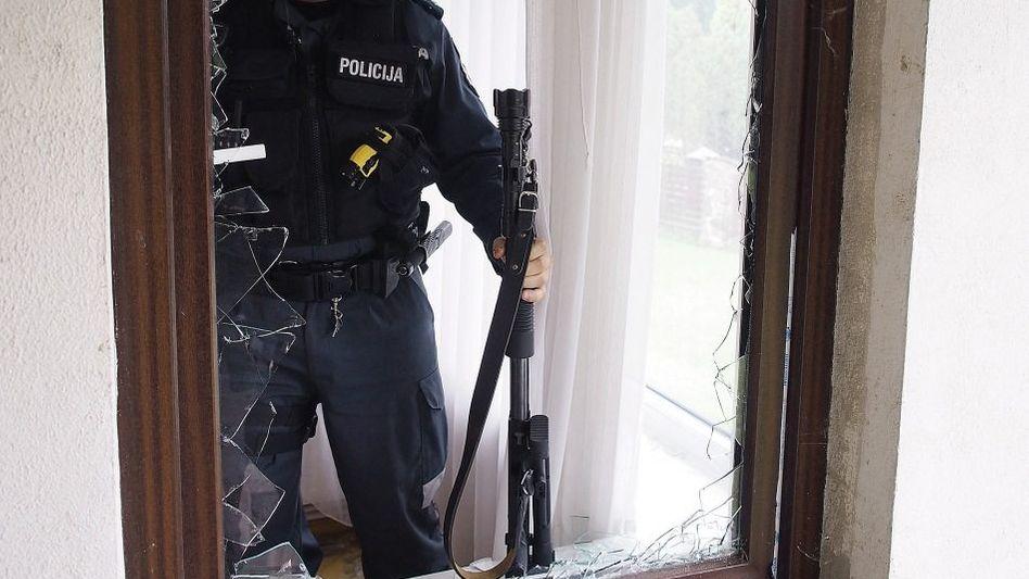 Einsatzkommando im litauischen Kaunas: Zwei Pistolen, ein Schlüssel