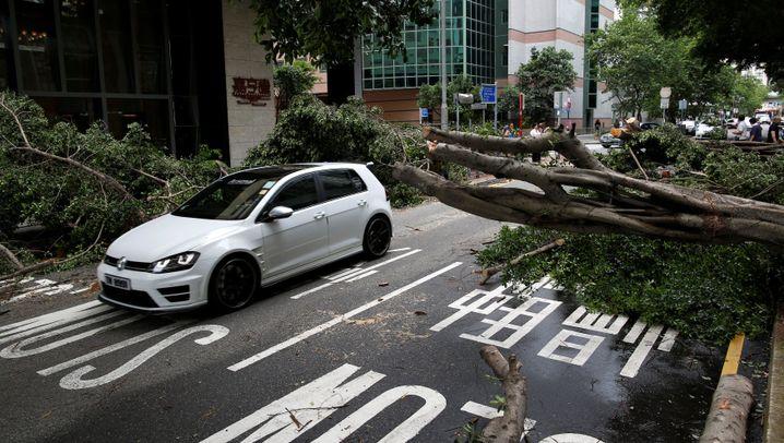 """Taifun """"Nida"""": Chaos in Südchina"""
