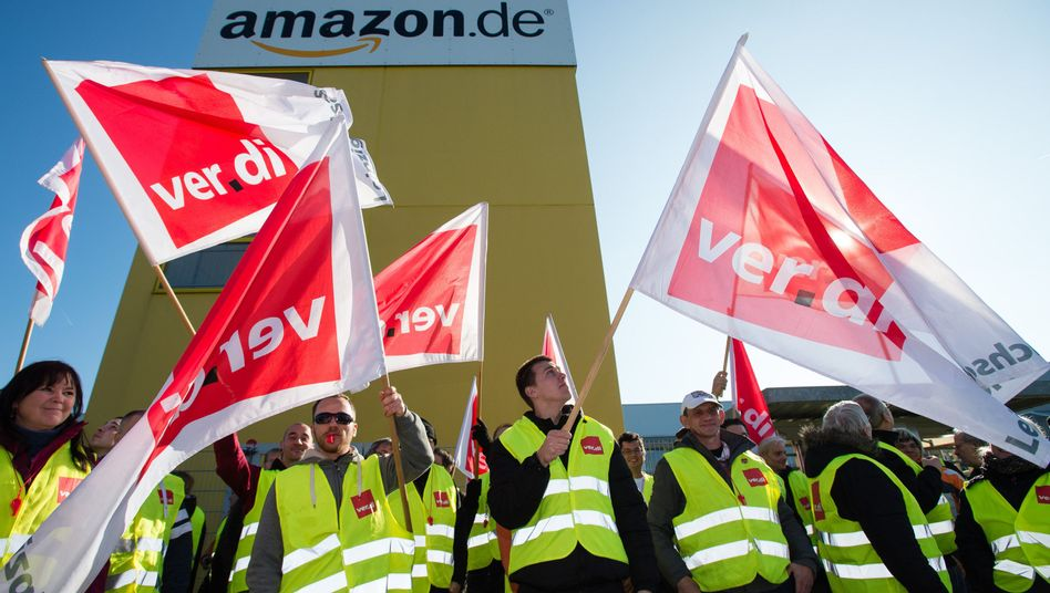 Streikende bei Amazon in Leipzig: