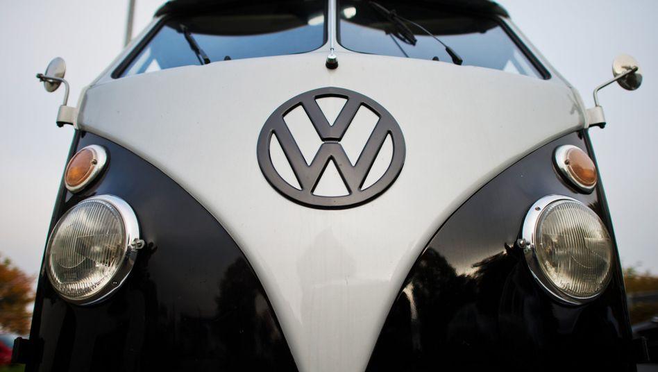 Volkswagen-Fahrzeug: Betrügerische Manipulation der Abgase