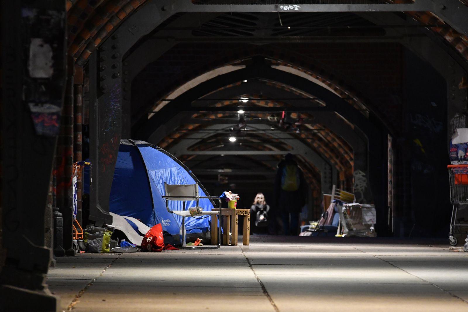 Obdachlose bei eisiger Kälte in Berlin