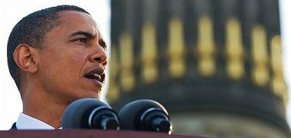 Obama speaks at Berlin's Siegessäule, or Victory Column.