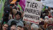 Tausende demonstrieren für neue Landwirtschaftspolitik
