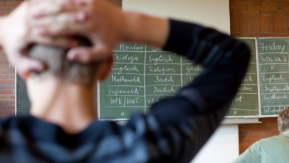 Urteil: Ein Schüler darf an einer Schule bleiben, auch wenn der Vater Stress macht (Symbolbild)