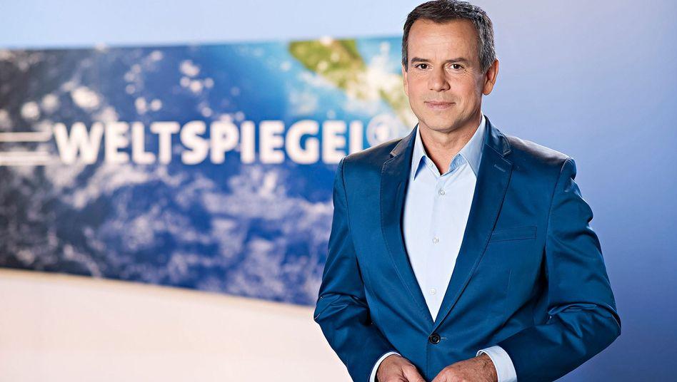 """NDR-Chefredakteur Andreas Cichowicz in """"Weltspiegel""""-Kulisse"""