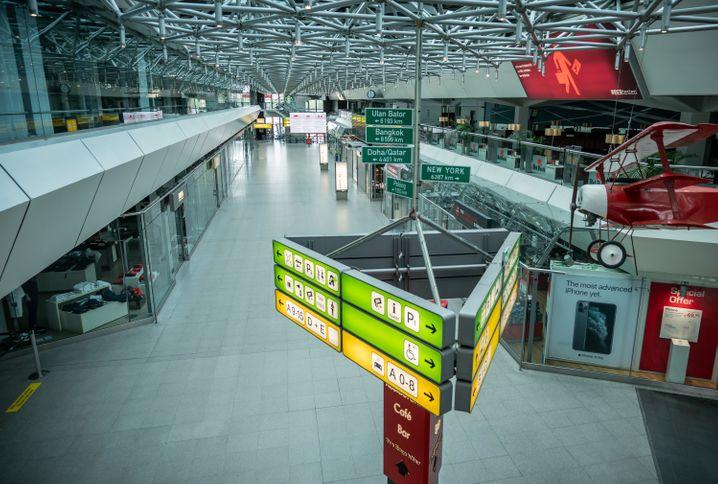 Empty Berlin-Tegel Airport (April 29, 2020): When will passengers return?