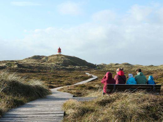 Durchatmen in den Dünen von Amrum: Touristen müssen Schleswig-Holstein bis zum 2. November verlassen, Inselbesucher haben drei Tage mehr