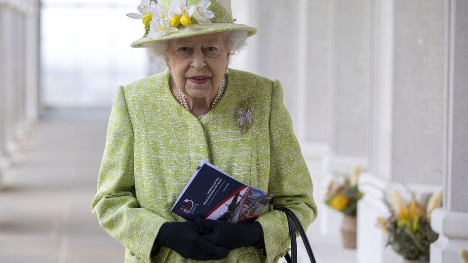 Queen Elizabeth II. (Ende März)