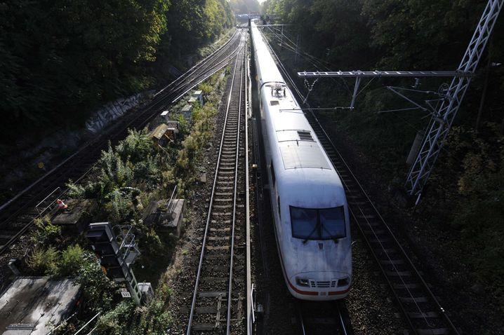 ICE, Wolfsburg (r.)