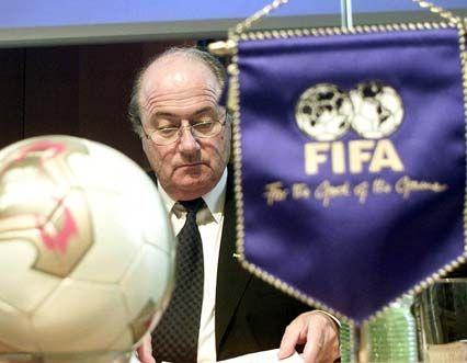 """Fifa-Boss Blatter: """"Können Sie sich zwei Bundeskanzler in Deutschland vorstellen, einer von der Regierungspartei, einer von der Opposition?"""""""