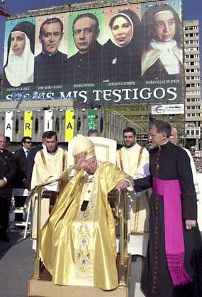 Der Papst im Mai 2003 in Madrid: Keiner seiner Vorgänger sprach mehr Menschen selig oder heilig