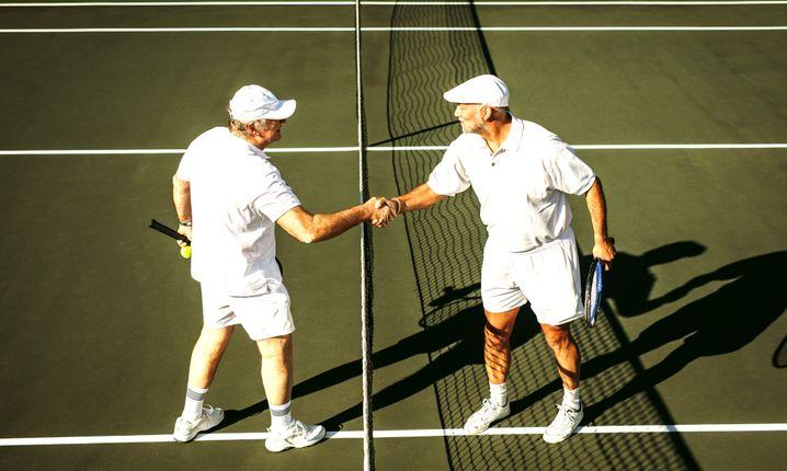 Senioren beim Tennis