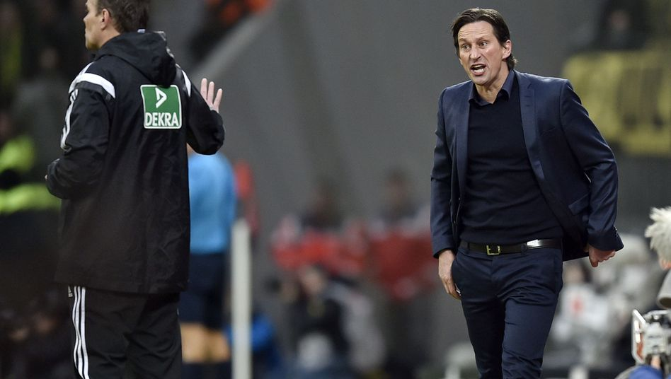 Leverkusen-Trainer Schmidt (r): Fall für den Kontrollausschuss