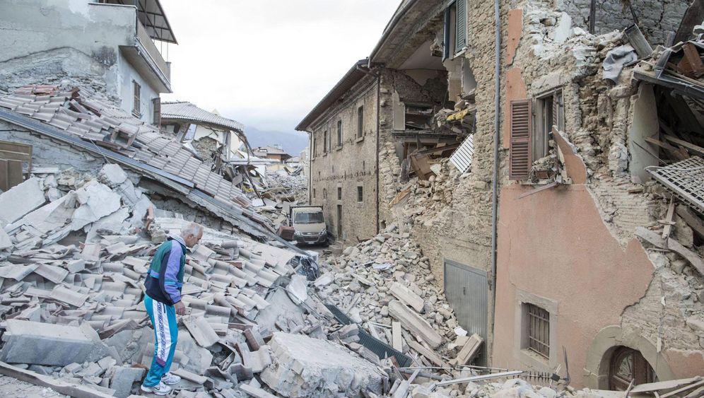 Folgen des Erdbebens: Brüchige Bauten
