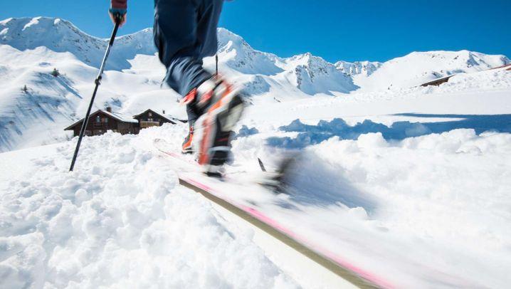 Skitouren-Boom in den Alpen: Social Distancing auf Skiern