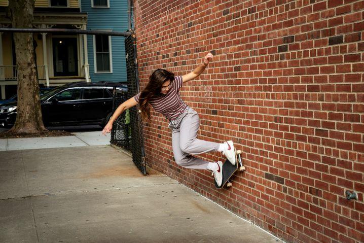 »Betty«: Sieht nach hartem Training aus, aber diese Skaterinnen sind maximal entspannt