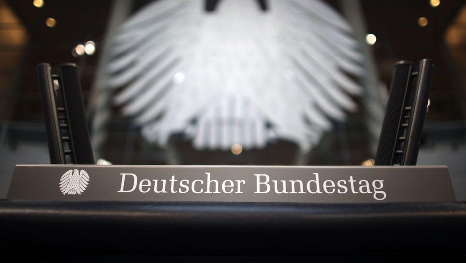 """Plenarsaal des Bundestags: Offenbar eine """"maßgeschneiderte Attacke"""""""