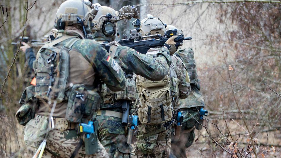 Bundeswehrsoldaten des Kommando Spezialkräfte (Archivbild): Wie geht es weiter mit der Einheit?