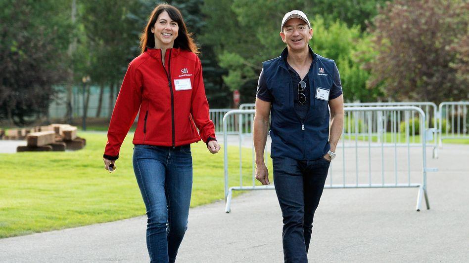 Bild aus besseren Tagen: Jeff und MacKenzie Bezos