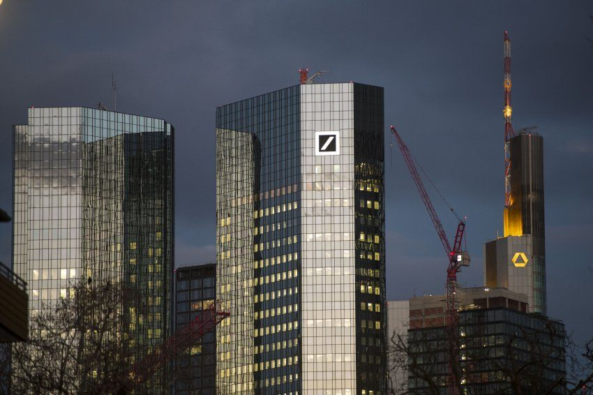Commerzbank And Deutsche Bank To Possibly Merge