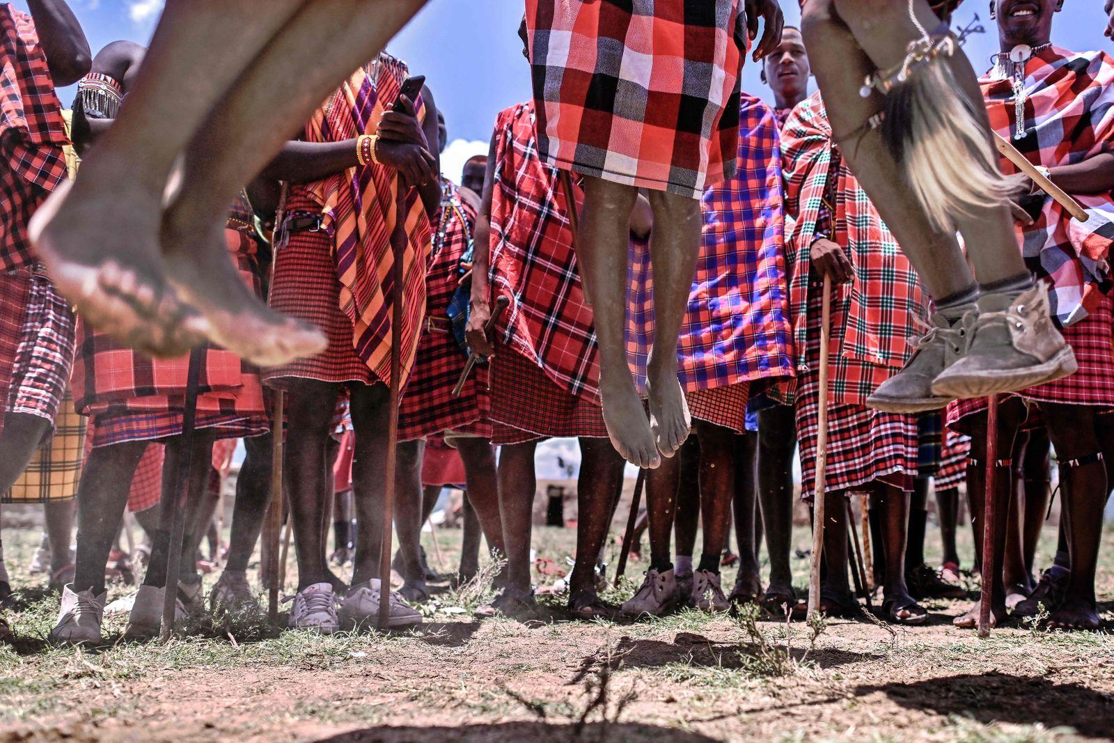 TOPSHOT-KENYA-CULTURE-MAASAI-RITE