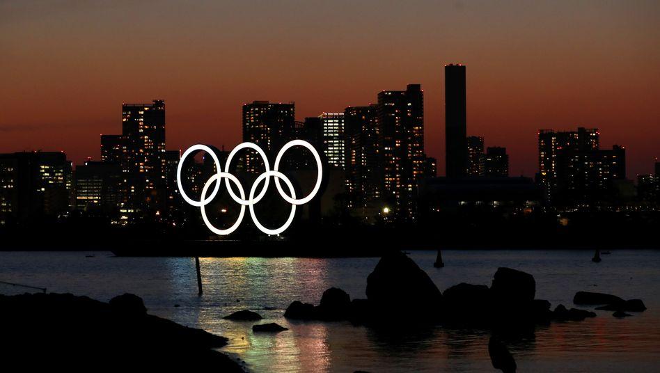 Tokio in der Dämmerung. Japan muss nun ein Jahr länger auf die Olympischen Spiele warten