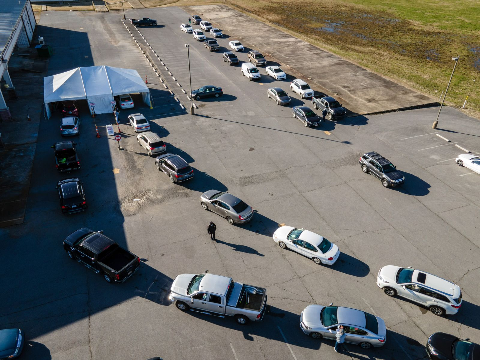 Covid-19 Vaccine Drive-Thru As Mississippi DOH Announces End Of State Supply