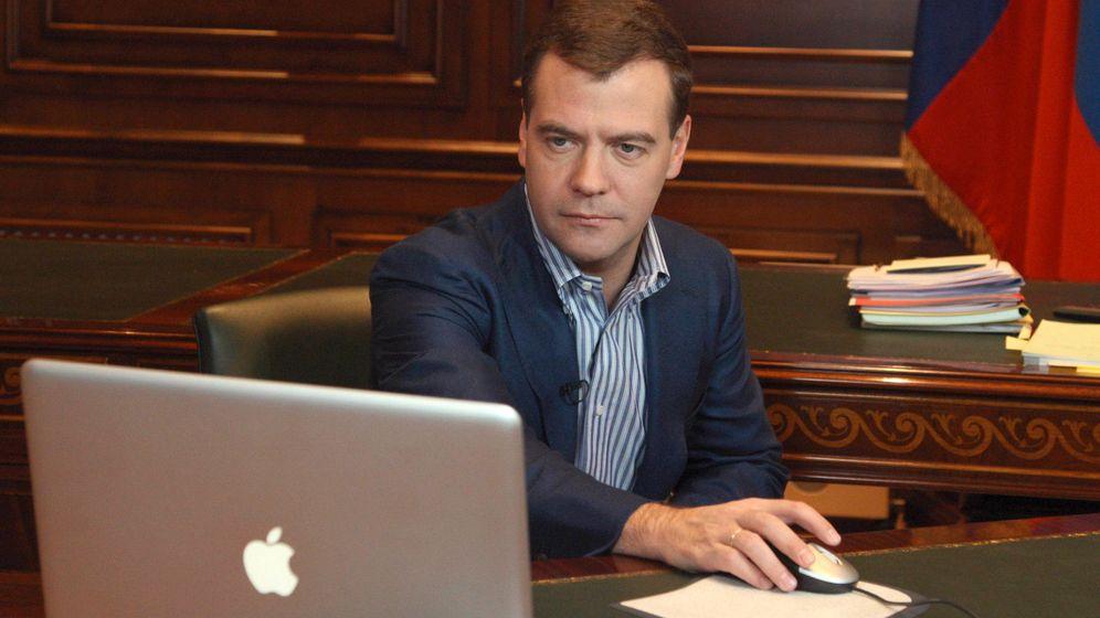 """Kreml-Blogger Adagamow: """"Niemand darf Medwedew müde fotografieren"""""""