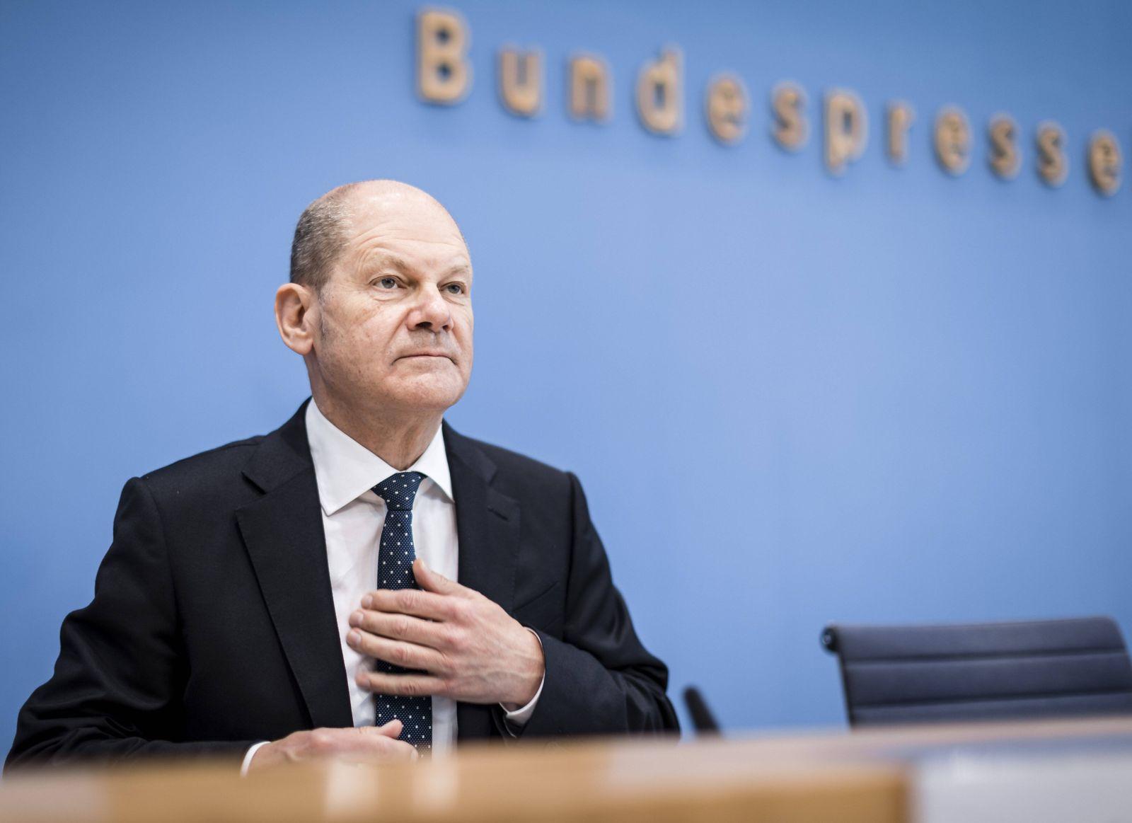 Bundesfinanzminister Olaf Scholz, SPD, aufgenommen im Rahmen einer Pressekonferenz zum Thema Steuerschaetzung, in der B