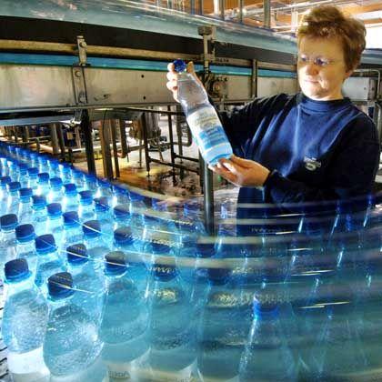 Abfüllung: Durst nach Wasser aus PET-Flaschen weltweit