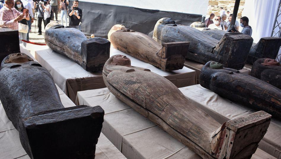 In der Totenstadt Sakkara gefundene altägyptische Särge