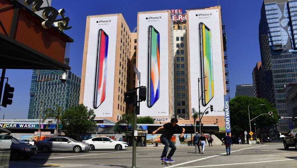 Werbung für das iPhone X in Los Angeles: Eins der gefährdeten Geräte