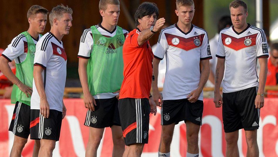"""Bundestrainer Löw: """"Unser Kader kann auf alles reagieren"""""""