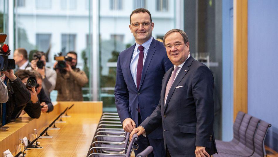 """Gesundheitsminister Jens Spahn, NRW-Ministerpräsident Armin Laschet: """"Partei steht vor einer Zerreißprobe"""""""